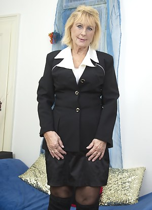 Free Mature Uniform Porn Pictures